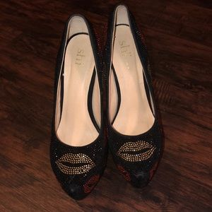 Sassy heels worn once size 8.5 worn once.